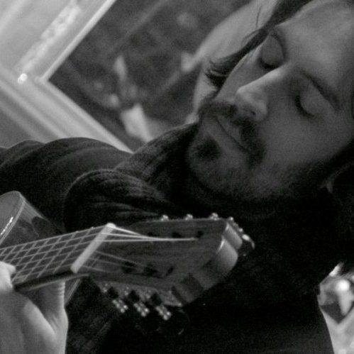 Luis Velasco Pufleau: Musicologue, guitariste et compositeur